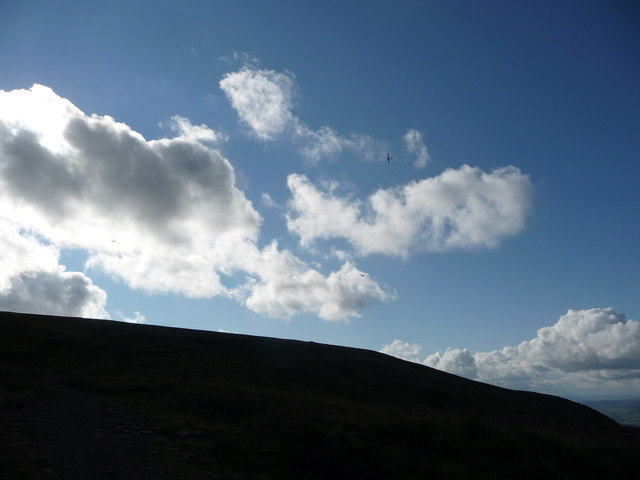 Path ascending Twmpa with gliders above