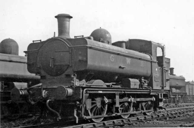 Nearly new GW 0-6-0PT at Old Oak Common Locomotive Yard, pre-Nationalisation