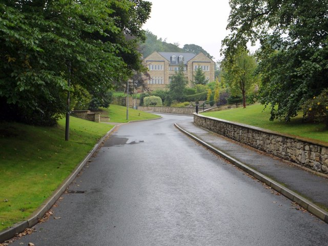 Estate road, Holywood