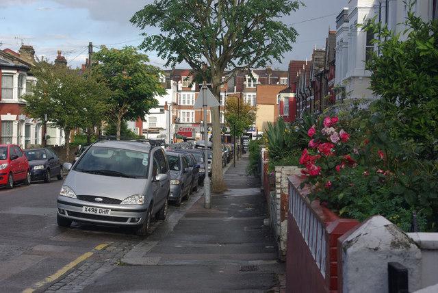 Umfreville Road, Harringay