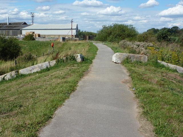 Trent-side path