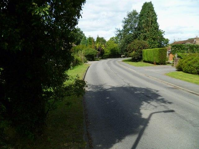 Bend on Horsham Road in Cranleigh