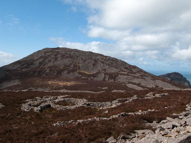 Tre'r Ceiri - Iron Age hill fort