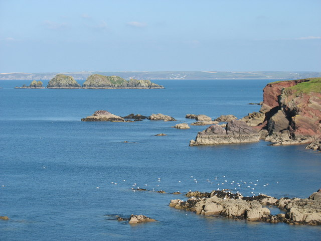 Pembrokeshire coast near Halfway Rock