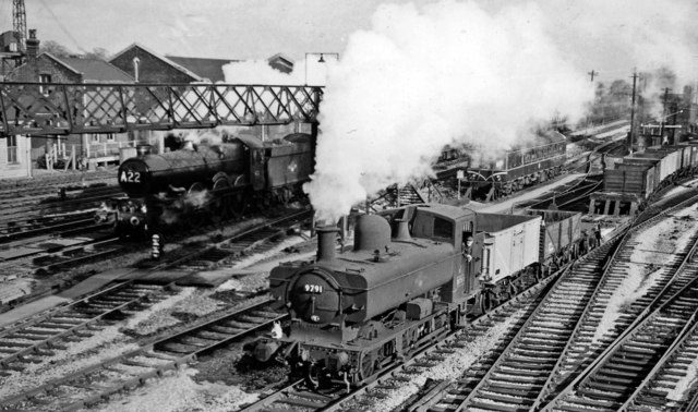 Goods train coming off the Brentford Dock branch at Southall