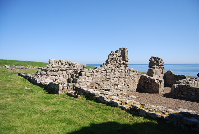 Dunstanburgh Castle - ruined building