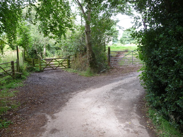 Transition from lane to footpath