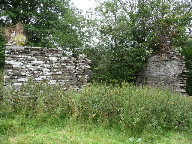 Ruinous stone barn in the Llanthony Valley