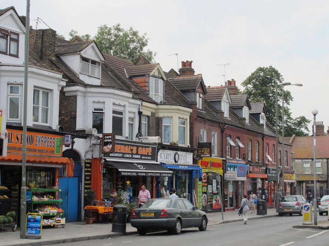 Shops and flats in Cricklewood Lane, NW2