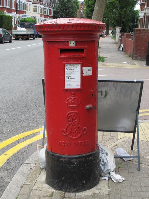 Edward VII postbox, Chichele Road / Rockhall Road, NW2
