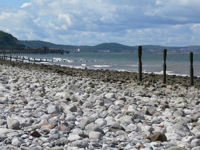 Llanddulas beach