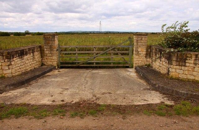 Gateway to a field
