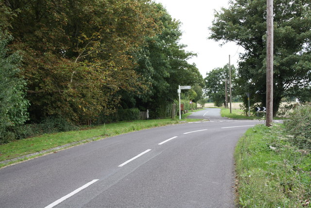 Road junction on Sires Hill