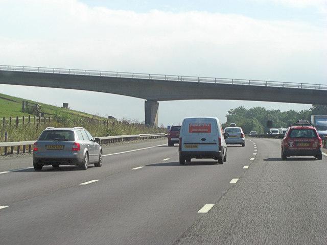 M25 bridge carries Flower Lane
