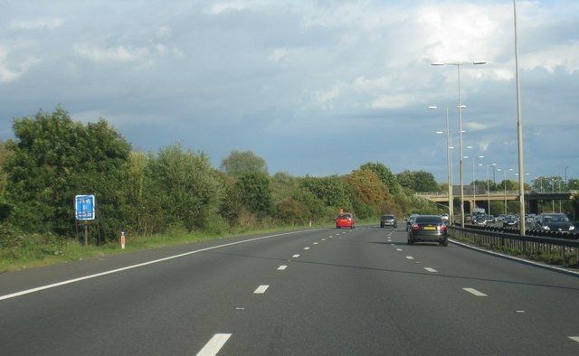 M4 about to pass under B376