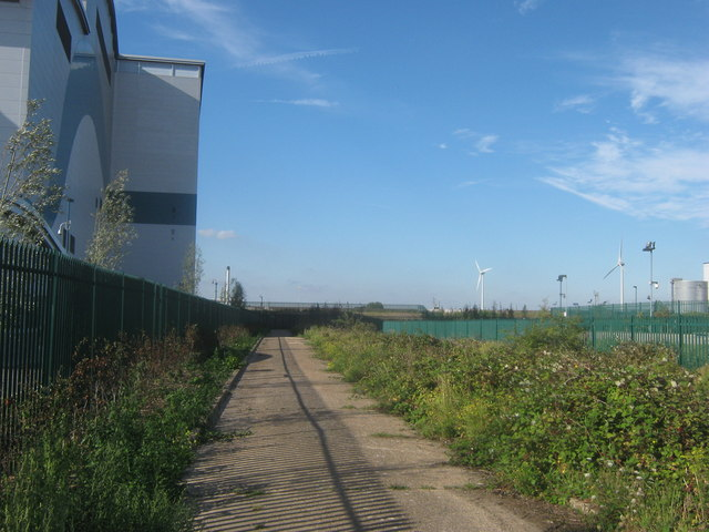 Path to River Thames