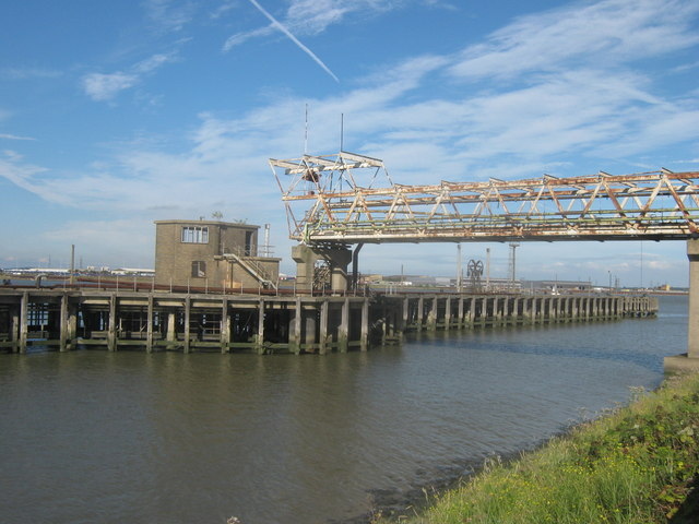 Disused Pier in River Thames, near Norman Road
