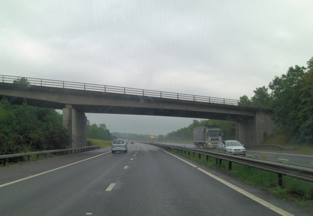 M26 bridge carries Childsbridge Lane