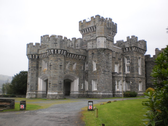 No entry this way - Wray Castle