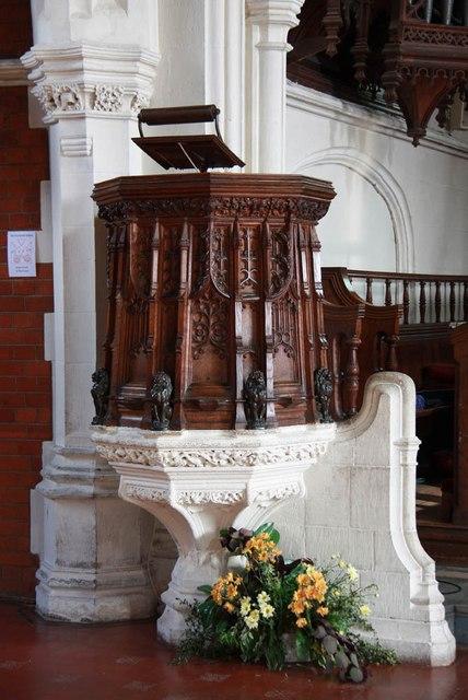 St John, Stansted Mountfitchet - Pulpit