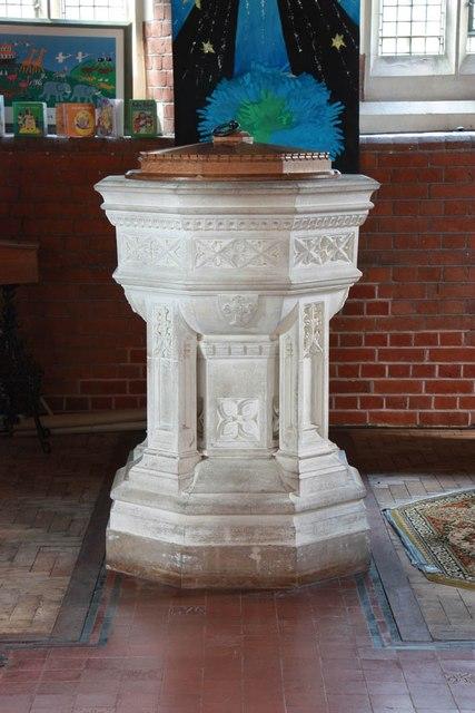 St John, Stansted Mountfitchet - Font