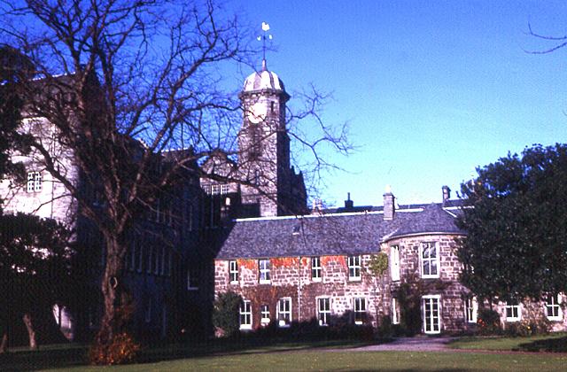 St Leonard's School