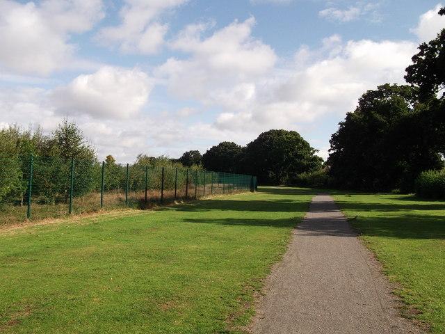 Footpath to Holbrook Way