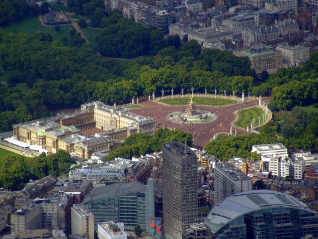 Buckingham palace from the air