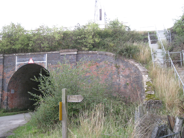 Railway bridge, Marsh Lane