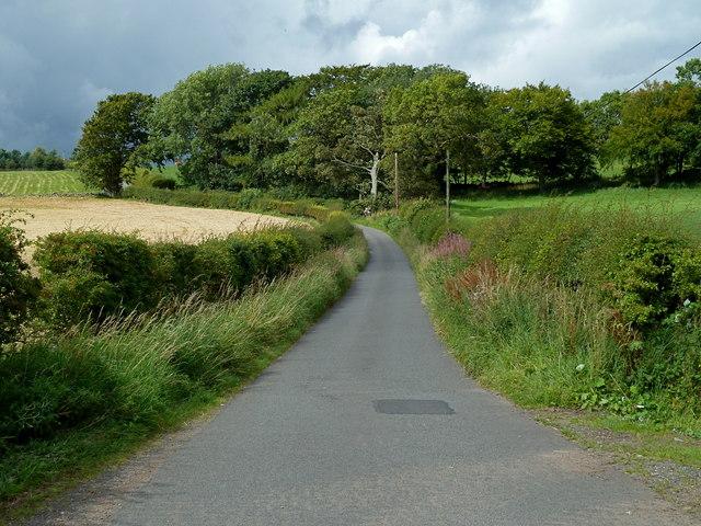 Lane (cul-de-sac) to Castlelaw