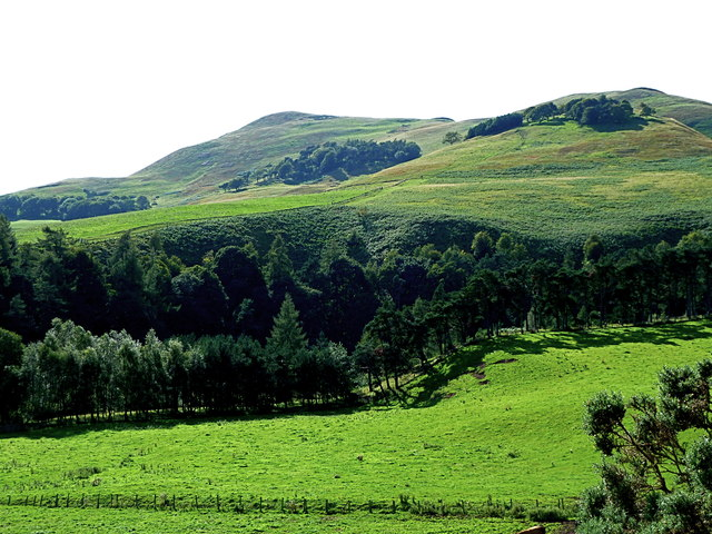 Turnhouse and Carnethy hills from lane to Glencorse