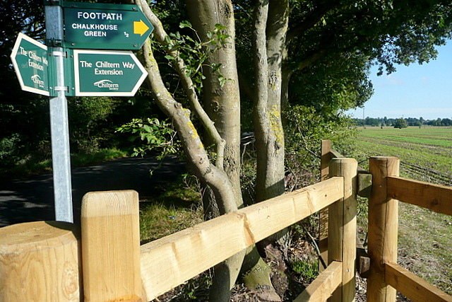 Footpath to Chalkhouse Green