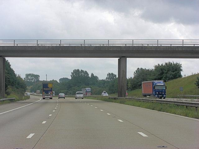 M20 bridge carries Hurstford Lane
