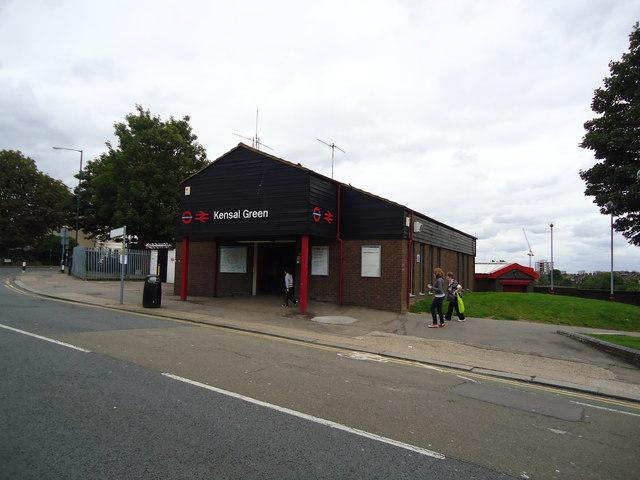 Kensal Green railway station