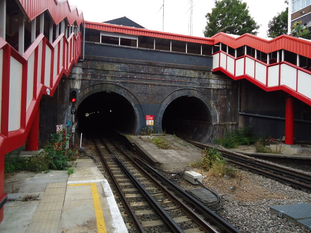 Tunnels at Kensal Green