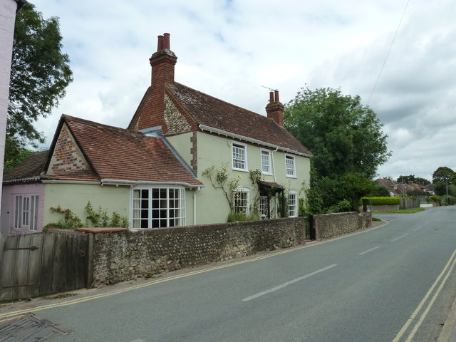 Approaching the junction of Bosham Lane and Critchfield Road