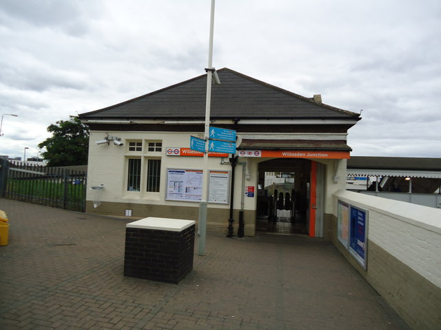 Willesden Junction railway station