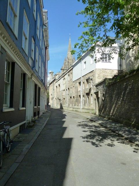 Shadows in Oriel Street