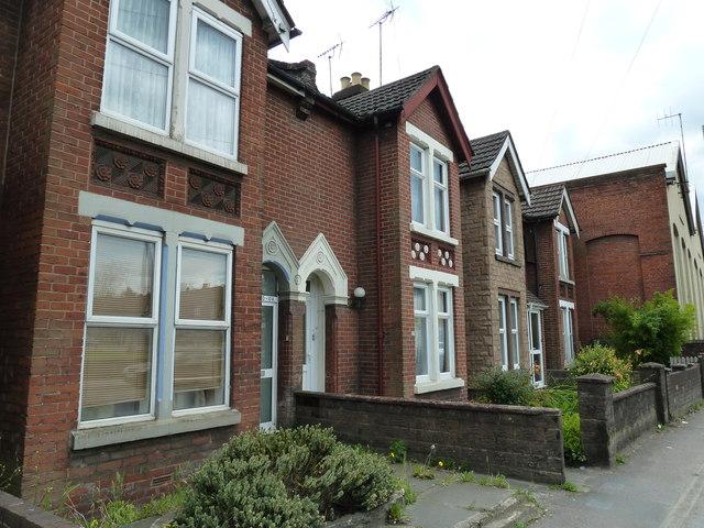 Houses in Bishopstoke Road