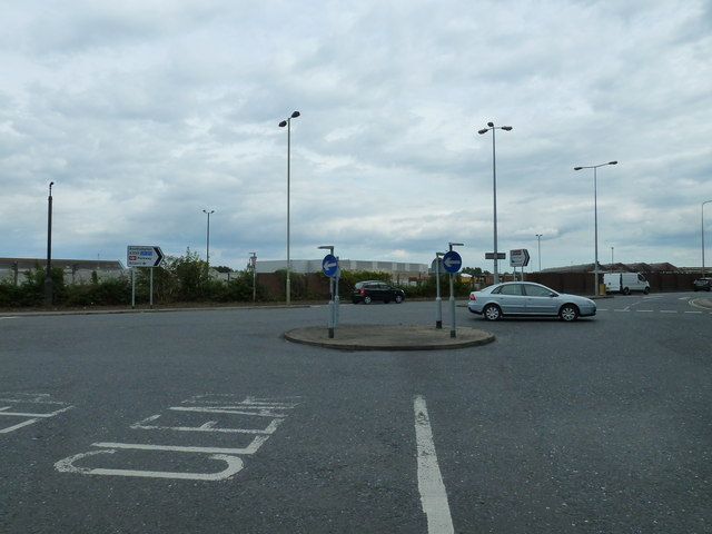 Mini-roundabout on the A335