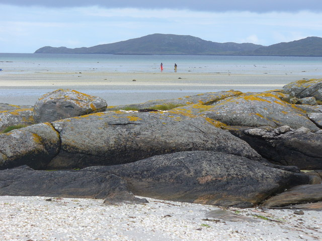 Cocklers at Traigh Mhor