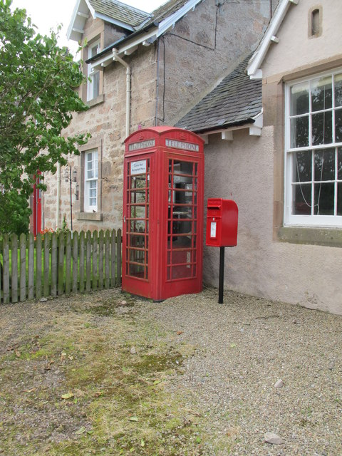 Red Boxes in Conicavel