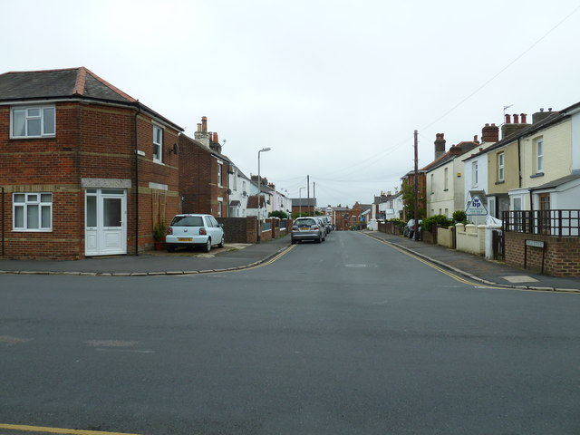 Looking from West Street into Hill Street