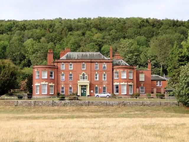 Credenhill Court