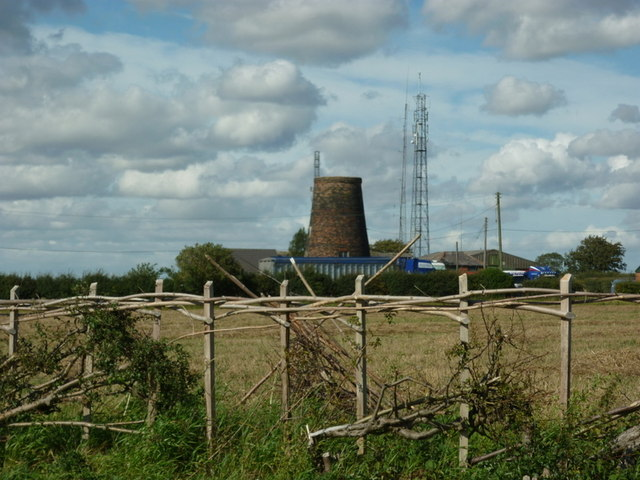 Old and new at Whitegate Hill, Caistor