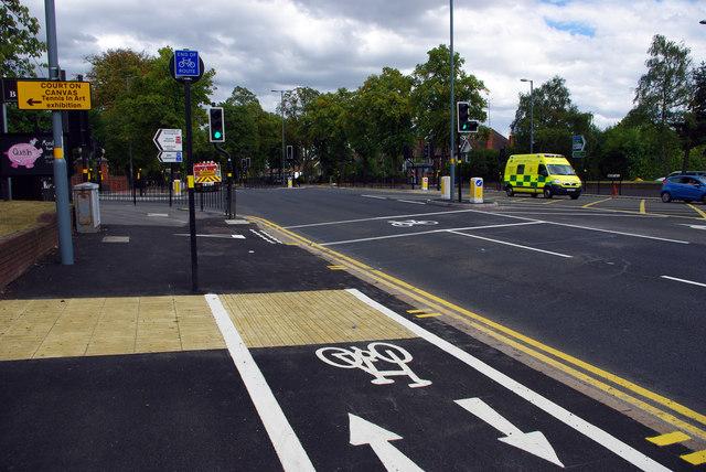 Segregated shared use path and advanced stop line near the Gun Barrels pub, Bournbrook