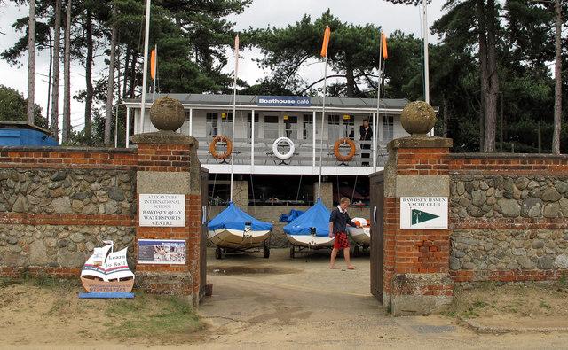 Boathouse café