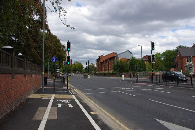 Segregated shared use path near Birmingham University's South Gate, Bournbrook