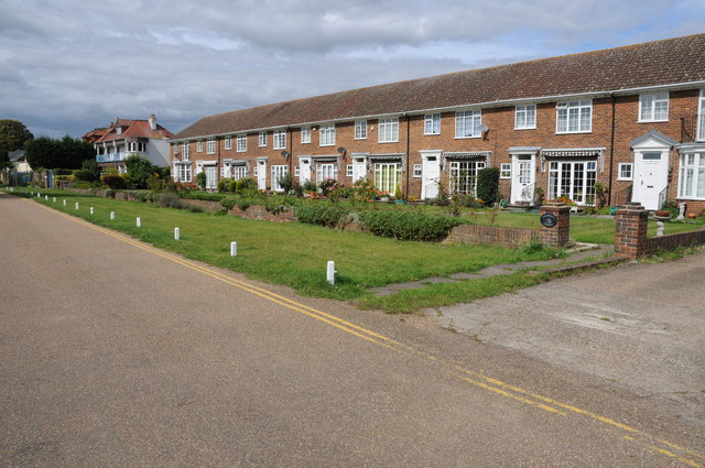 Houses near Penton Hook