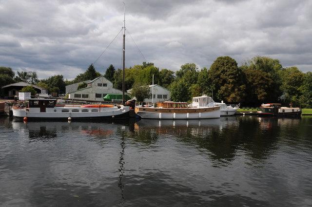 Harris's Boatyard, Laleham Reach